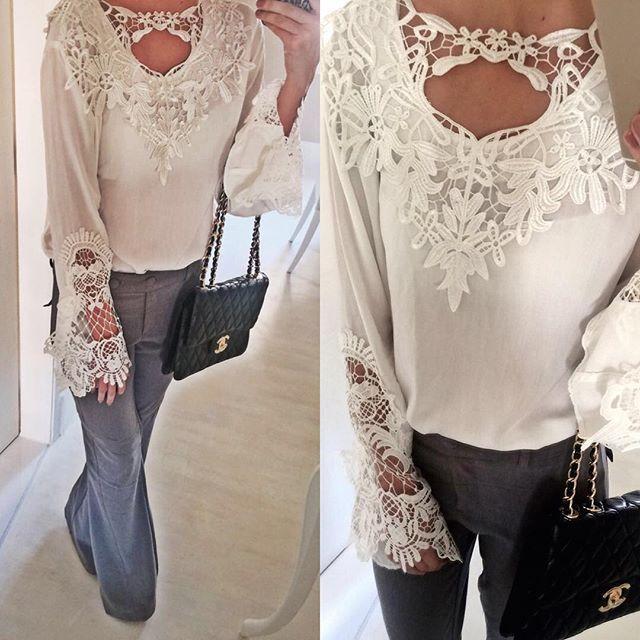 Bata rendada e calça social flare super chic!! Ideal para um dia repleto de reuniões e um jantar com as amigas. ✨ #goldendress #marcadesejo #luxo #fashion #amazing  #lovefashion #fashionstyle #social