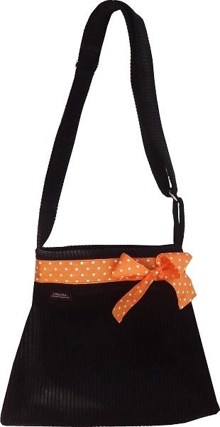 Luna-laukut ovat poistuneet valkoimasta, mutta toki jos kiinnoostaa, mittatilaustyönä voi aina kysellä! :) www.cosecha.fi   www.facebook.com/cosechanpuoti