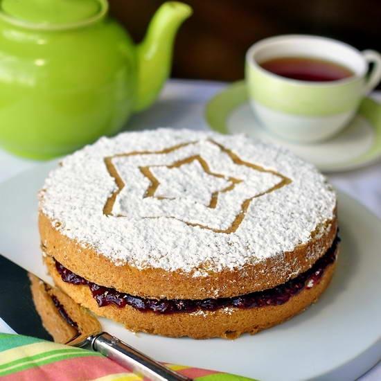 Classic Victoria Sandwich Cake - Happy Birthday to me! I'm celebrating with a simple, elegant Classic Victoria Sandwich Cake. A Re-Pin is a great way to say Happy Birthday. ;)