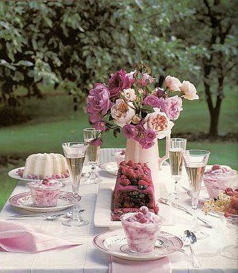 Martha stewart spring table setting below beautiful Backyard party table settings