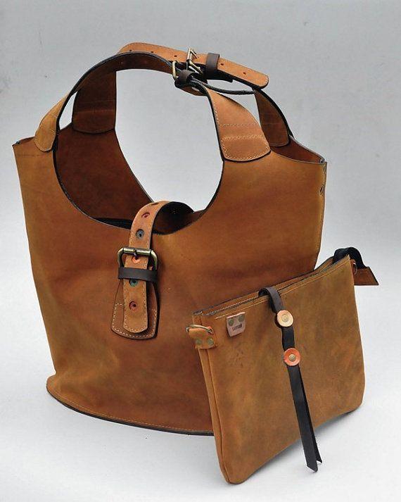 Whiskey color  Vintage Leather Shoulder Bag with Clutch por ladybuq
