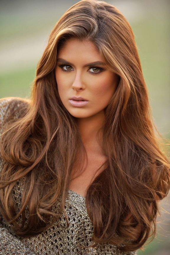 Love the base color of this model, especially with some caramel and blonde…