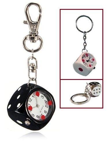 Dobókocka alakú kulcstartó az egyik oldalán beépített analóg órával. Elegáns, divatos és mivel mutatja a pontos időt, egyben praktikus is. Nem csak...