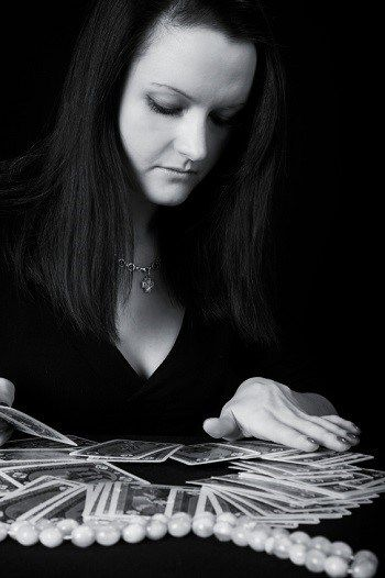 How do Tarot & Oracle cards work? There is nothing magical about oracle or Tarot cards. Magickal yes, but not magical. READ MORE HERE: http://stickynotetarot.com/2014/11/26/how-do-tarot-and-oracle-cards-work/