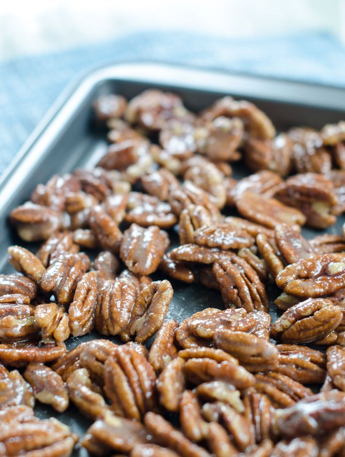 Cinnamon Sugar Candied Pecans | www.chicandsugar.com