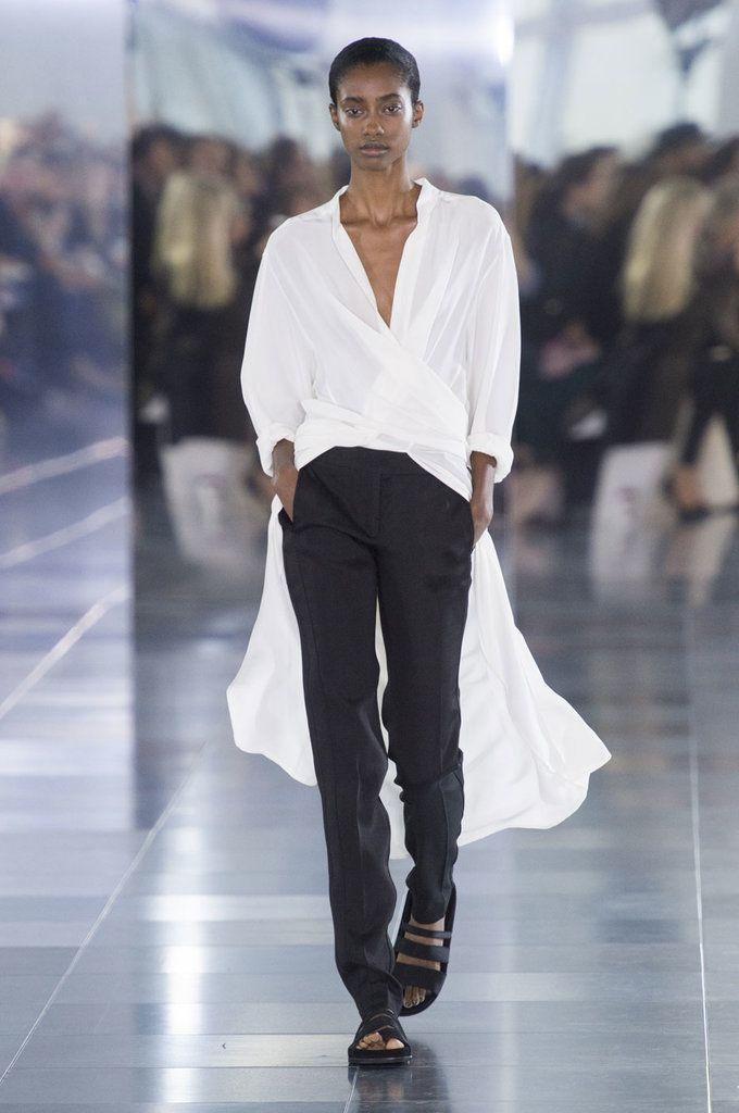 Spring 2016 Trends | Runway | White Shirt Redux | Amanda Wakeley Spring 2016 |  POPSUGAR Fashion