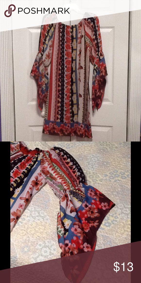 Floral dress Romantic print. Sleeve detail. Dresses Midi