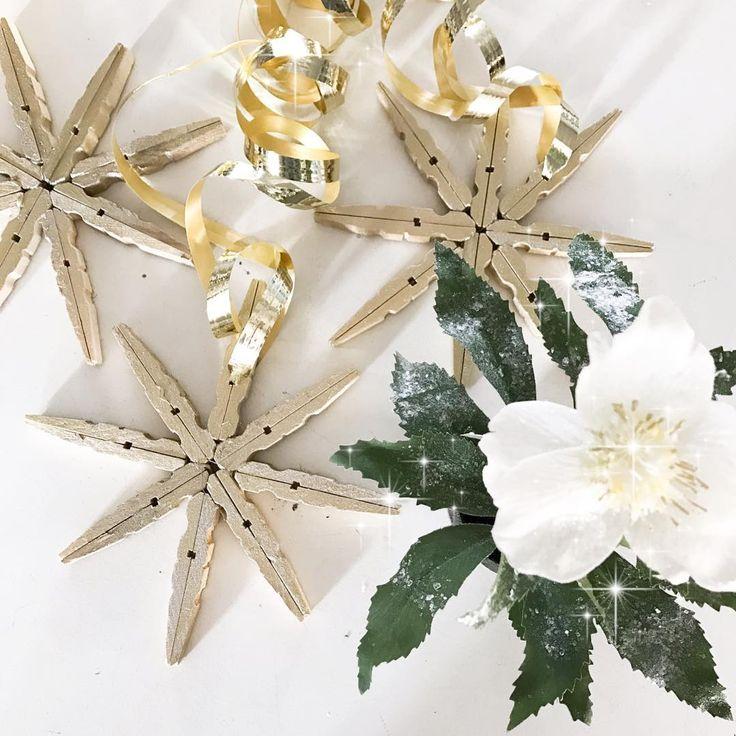 Julpyssel till butiken ⭐️ tvättklämmor i trä kan vara bra till såå mycket!