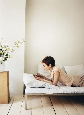 Como diseñar y construir una cama plegable | eHow en Español