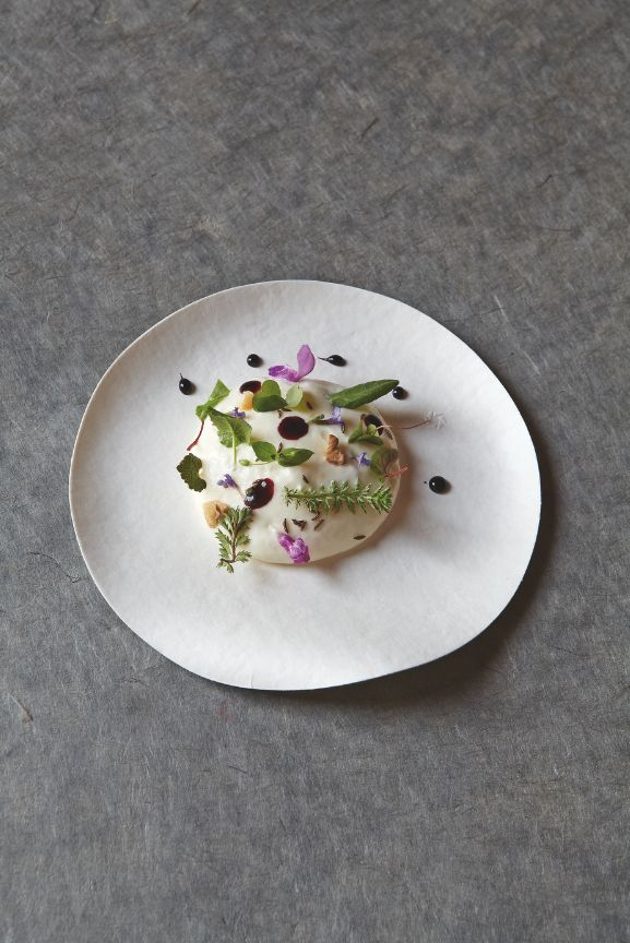 Mousse de Beaufort. Restaurant Jean Sulpice - Val Thorens, France #Gourmet #Gastronomie #Plat #FoodArt #FoodPorn #RelaisChateaux