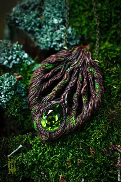 """Купить Кулон """"Таинственный лес"""" - миниатюра, Имитация дерева, коричневый, дерево, лес, лесные прогулки"""