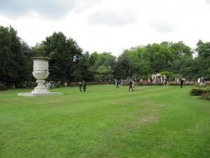 Jardins de Buckingham Palace - Garden-party chez Sa Majesté - Photo : Vanessa Lajeunesse - www.moimessouliers.org