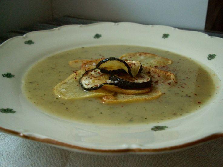 Cream soup with potatoes and zucchini / Kremowa zupa z ziemniaków i cukini