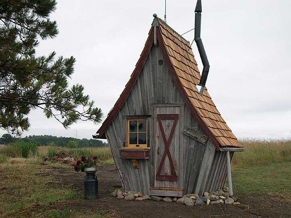 The Rustic Way Whimsical Huts Built With Reclaimed Wood Garden Art