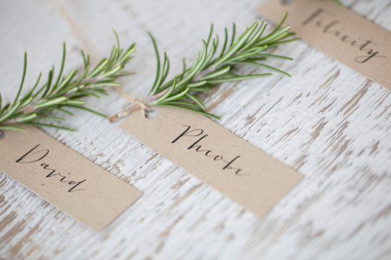 Carta di luogo di nozze | Carta di Kraft escort | Scheda del posto di calligrafia | Modifica del regalo di favore | Tag logo personalizzato | Carta di soggiorno di nozze | Dell'oscillazione dell'etichetta