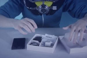 Carphone Warehouse does the ultimate unboxing video by taking a Sony Xperia Z3 underwater to test its waterproof rating.
