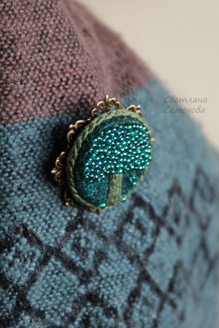 Купить Брошь Сказочная Яблоня - брошь вышитая, зеленый, брошь камея, вышивка, текстильная брошь