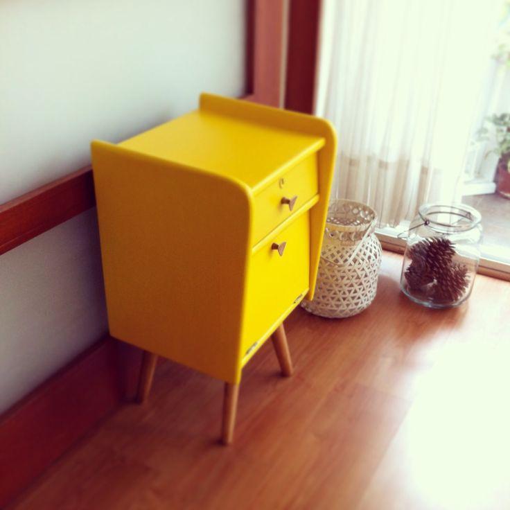 Vintage Yelow Bedside - Velador Vintage Amarillo