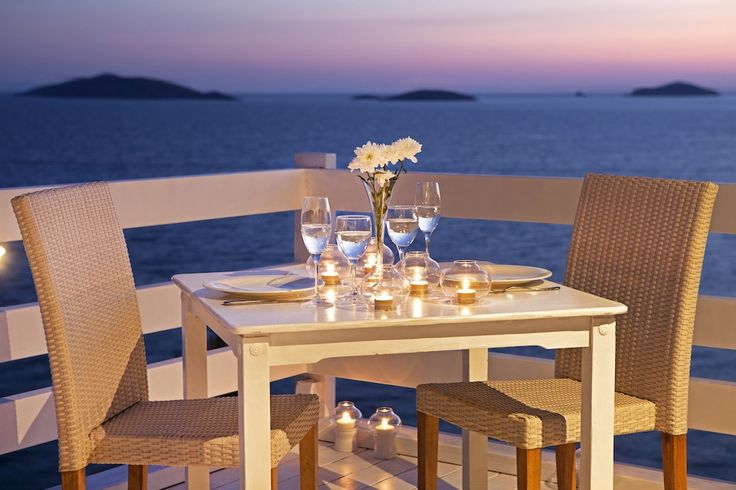 Romantic dining by the sea!