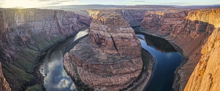 Best I could do at Horseshoe Bend Page AZ with a 3-photo panorama [OC] [2048x852]