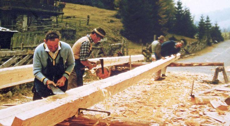 Rustikale Holzverarbeitung - Gasser Schindeln - Dachschindeln, Holzfassaden…
