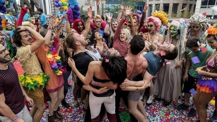 READ THIS WE CAN DO TO HELP THE SHOW GET A NEW SEASON  The cancellation of Sense 8 - season 3 has been completely unexpected. We don't know any reasons yet, however it's quite strange that a show that has received such positive response from a wide and heterogeneous audience, gets cancelled.  ...