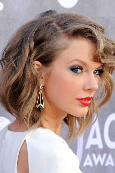 2014 Sonbahar Güzellik Trendi: Mavi Gözlü Kızlar - Kırmızı halı: Taylor Swift Dış köşeleri saran dumanlı lacivert