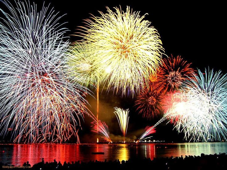 Ieder jaar kunt u dit geweldige vuurwerk bewonderen aan het Gardameer! #DiCapolavori