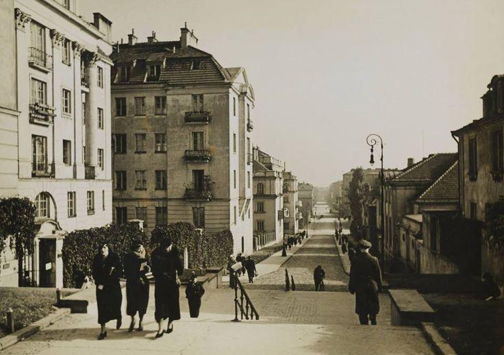 Rok 1938. Perspektywa ulicy Górnośląskiej, źródło fotografii-Cyfrowa Biblioteka Fotografii Polona.