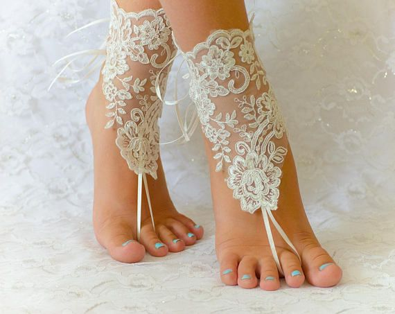 Bridal Shoes, bridesmaid gift, Wedding Anklet, Wedding Barefoot, Wedding Sandals, Lace Shoes, Anklet Foot, Anklet Sandals, Lace Sandals, Bridal Sandals, Bridesmaid sandals, Beach Wedding Shoes, Wedding Accessories Item is for 1 pair of 2 pieces Color: Ivory