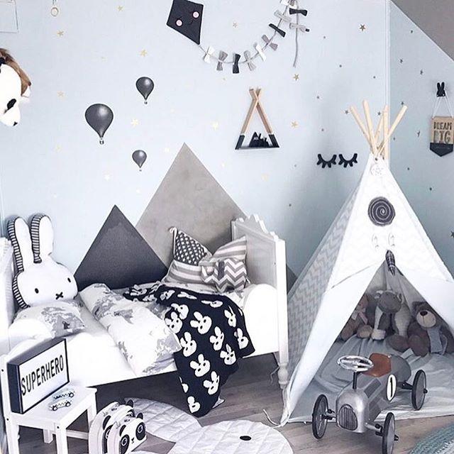 This is so cool! By @mamma.ulrikke  #love #boysroom #gutterom #girlsroom #jenterom #interiør #inspo #barnerom #barneinteriør #barneinspo #barneromsinteriør #gravid #nyfødt #newborn #babyroom #barsel #mammaperm #mammalivet #småbarnsliv #interior #kidsinspo #kidsinterior #kidsdecor #nursery #nurserydecor #barnrum
