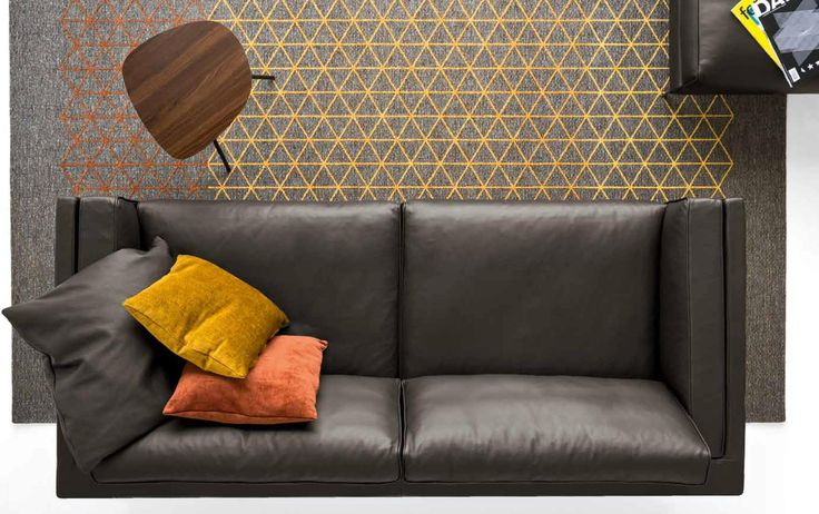 METRO is a highly comfortable sofa, characterised by a minimalist and contemporary look, harmonious shapes and timeless elegance that make it perfect for both classic and modern interiors. Everything you nedd you will find here www.livingin.sk Distributor of Calligaris design brand.