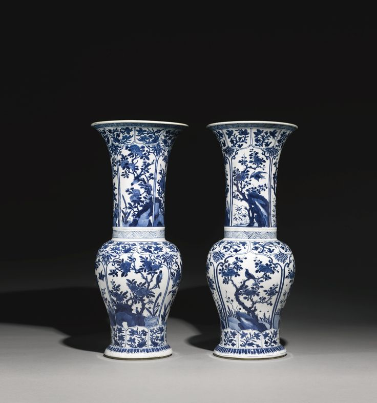 BLUE AND WHITE YENYEN VASES QING DYNASTY, KANGXI PERIOD 51cm., 20 1/8 in.
