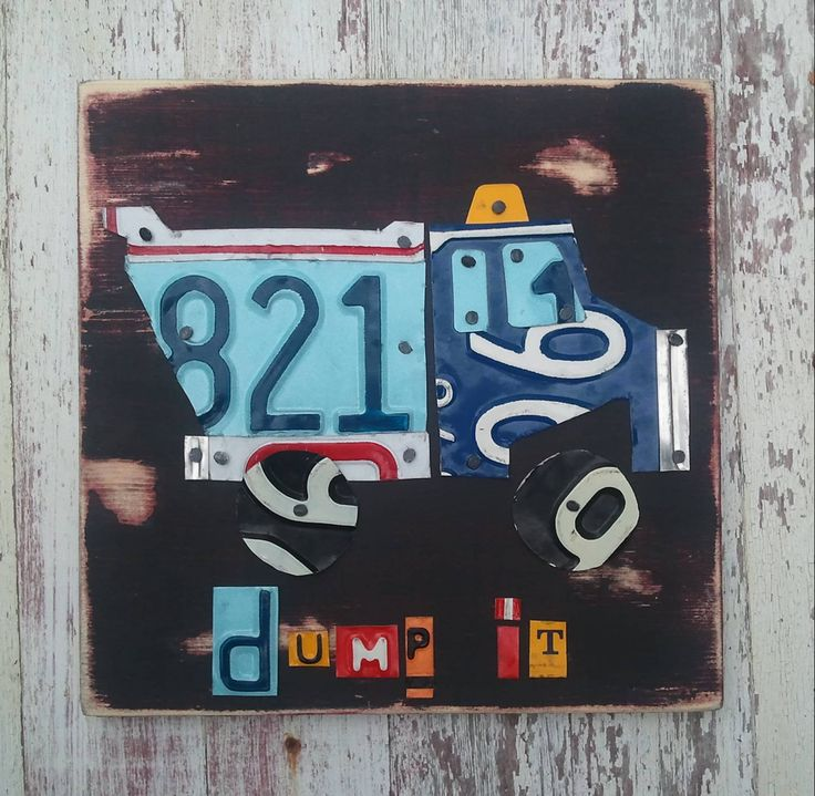 Plaque d'immatriculation Art - camion à benne basculante travail sale transport - recyclé Art Company - pépinière Playroom Baby Shower - Upcycled oeuvre par recycledartco sur Etsy https://www.etsy.com/fr/listing/155395474/plaque-dimmatriculation-art-camion-a