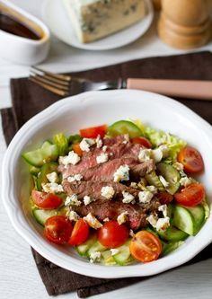 Салат со стейком и медово-бальзамической заправкой