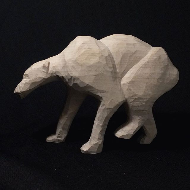 I carved this hungry polar bear. One of many animals who suffers because of us humans. Why is it so hard for us to change our way of life now that we know everything we know... #polarbear #woodworking #woodcarving #craft #climatechange #isbjörn #tälja #hantverk #handgjort #climate #environment #animals #wood #slöjd #hemslöjd #nature #naturelovers #carving