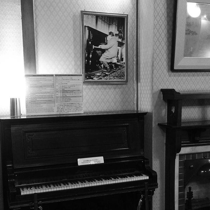 17 декабря 1922 года на этом пианино играл Альберт Эйнштейн сейчас инструменту 114 лет #пианино #раритет #эйнштейн #япония