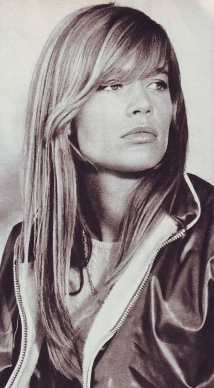 Françoise Hardy in Mademoiselle Age Tendre, October 1966. #FrancoiseHardy  #YéyéGirls #French60s #French60sPop #Yéyé #1960s #MademoiselleAgeTendre #FrenchMagazines #1966 #