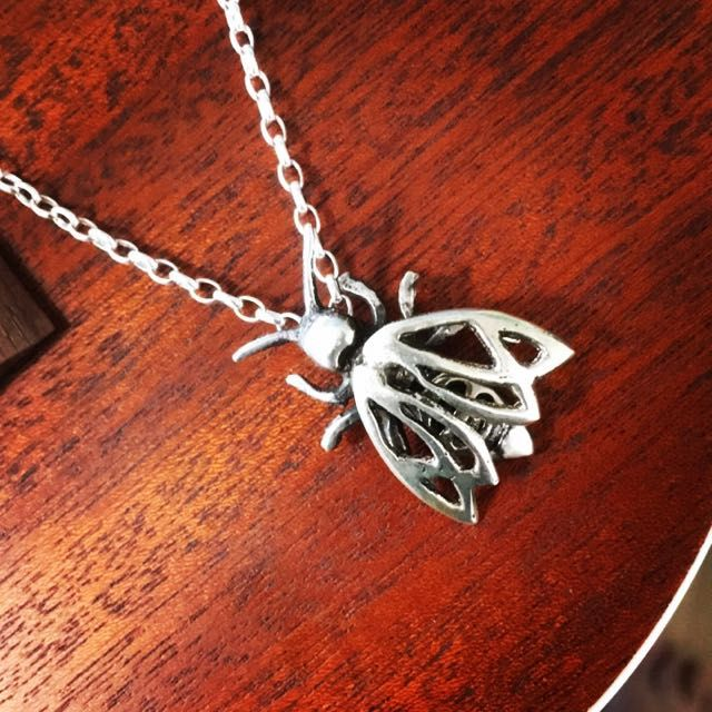 Bee, sandcast Silver 925
