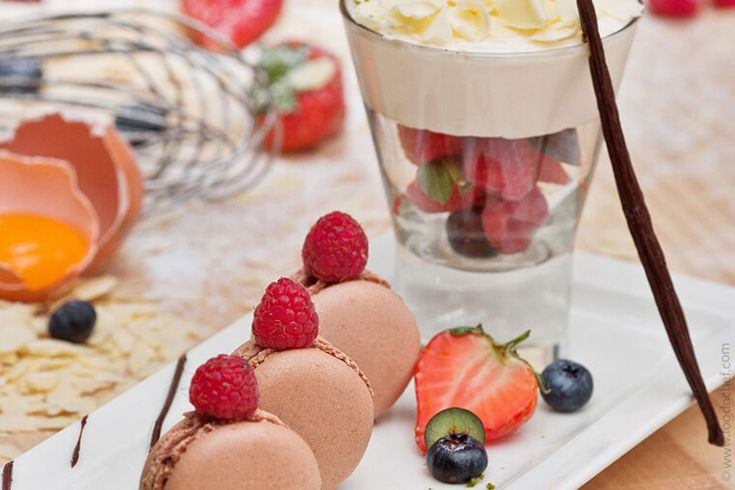 Berry Compote with Cardinal Cream | Food'n'chef