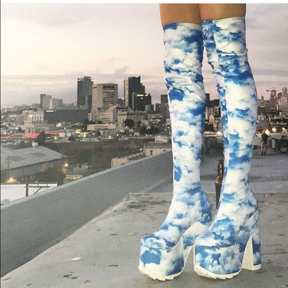 Cloud platform shoes yru dollskill boots shoes 7 Tried on and never wore brand is YRU, new and still in box UNIF Shoes Platforms