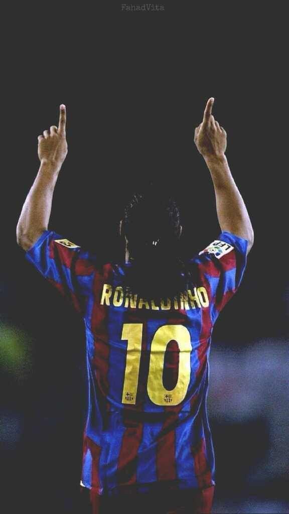 feb40e164 Ronaldinho • wallpaper - Imgur
