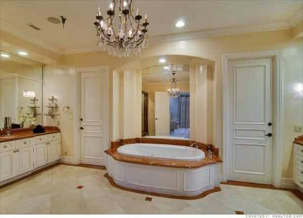 Inside Candy Spelling Mansion Rich Amp Famous Homes Pinterest