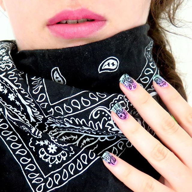 Pink & paisley 💖  My favourite bandana from @newyorkeronline