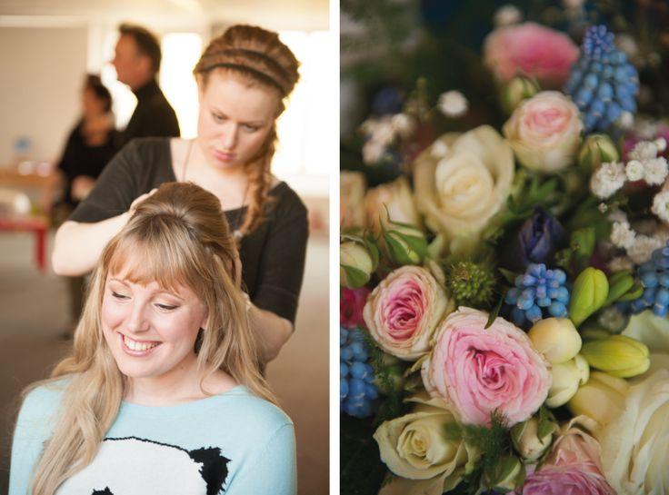 Wedding photography, #GettingReady, bouquet, bruidsboeket, blauwe druifjes, #WeddingPhotography, #DenHaag, Nederland, bruidsfotograaf, trouwfotografie   www.witfoto.nl   Wit Photography | Wedding photography Den Haag: Nathalie + Rick
