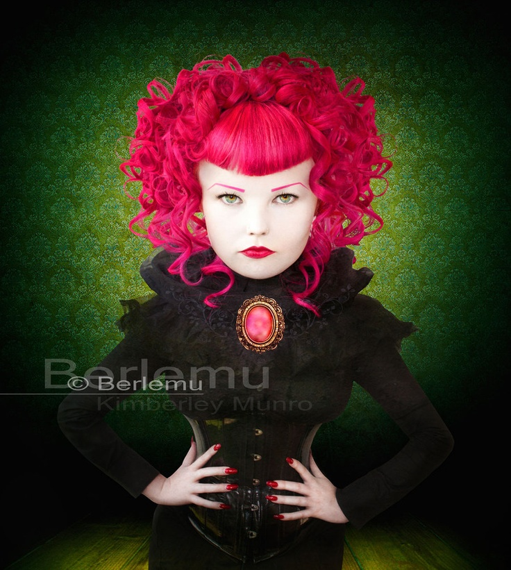 beautiful volumes curls inspired by the queen of hearts <3 Berle Mu and Melissa L'amour