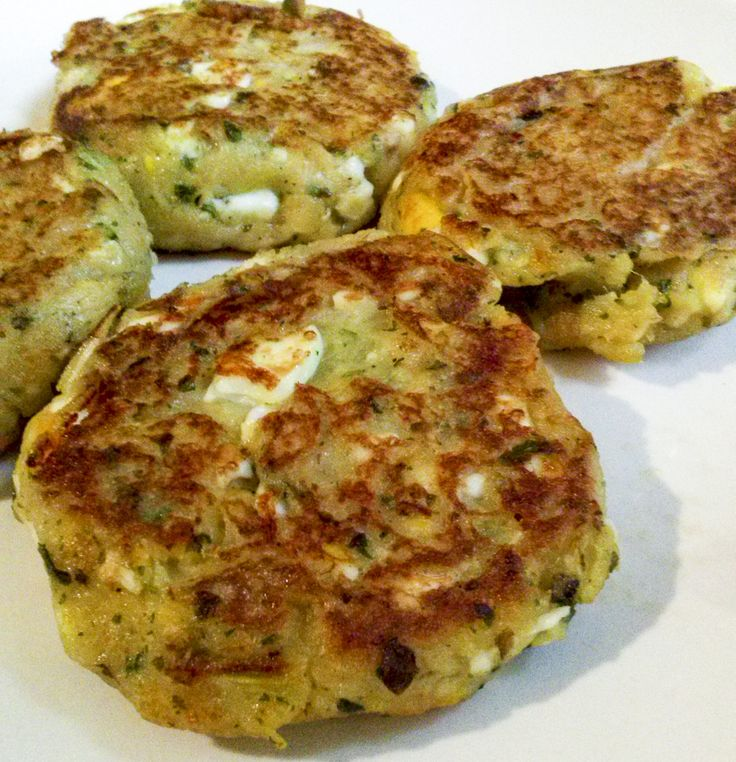 """medaglioni verdure tonno Nuova serie di post: """"#verdure nascoste"""", anche i più riottosi puliranno il piatto con questi #medaglioni di recupero al #tonno e verdure! http://www.kitchengirl.it/il-frigo-racconta/verdure-nascoste-medaglioni-di-recupero-con-verdure-bollite-e-tonno/  #blog #tacchiepentole #cucinaalforno #semplicementepesce #Veg #ricetta #cucina #amicincucina #patate #tonno #cucinaitaliana #ricetteperpassione #pranzoitaliano  #secondoitaliano"""
