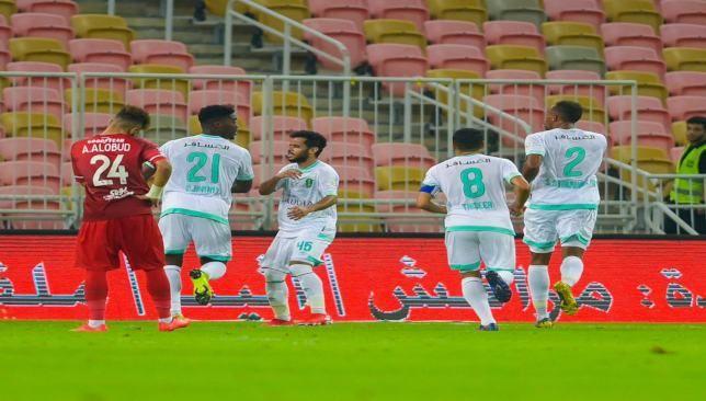 رسميا الأهلي يحجز مقعده بدوري أبطال أسيا بفوز غالي على الاتفاق سعودي 360 انتهى أخيرا الدوري السعودي للمحترفين موسم 2018 20 Soccer Field Soccer Sports