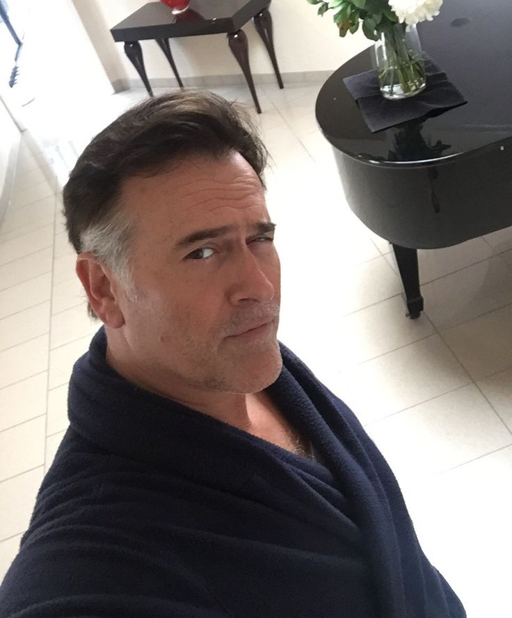 Dashingly handsome Bruce Campbell ready for filming in New Zealand