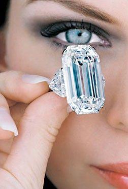 Emerald Cut. Wowie!